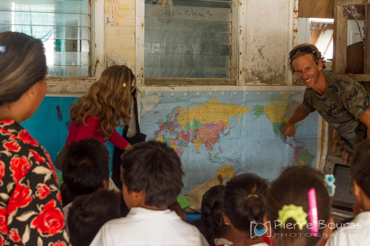 school-xmas-islan-camboulives